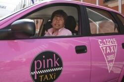 V mehiški prestolnici roza taksiji za ženske