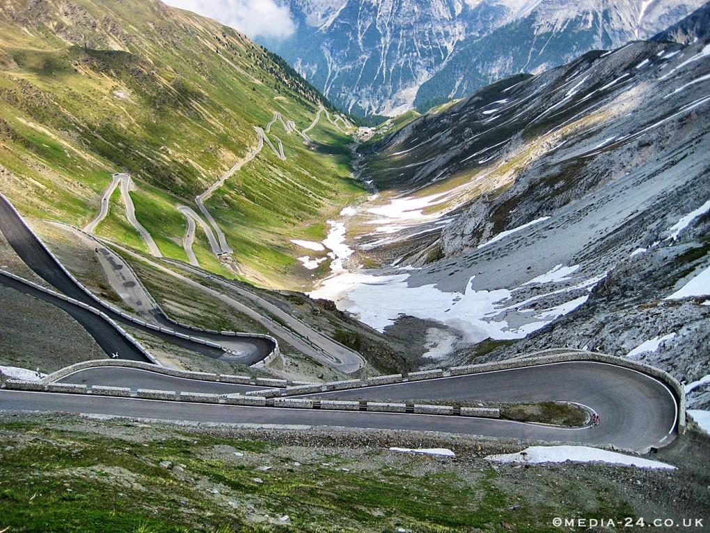 Bi si upali peljati po eni izmed najnevarnejših cest na svetu?
