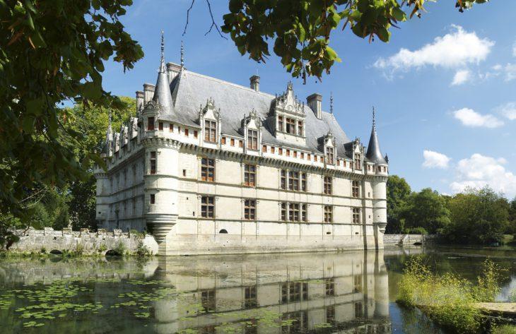 chateau-dazay-le-rideau-1273163_1920