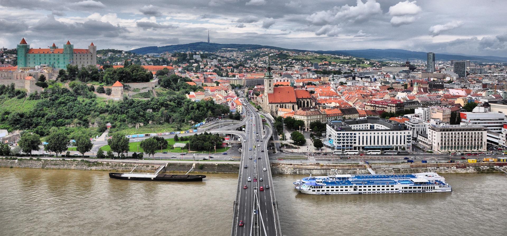 Bratislava – mešanica tradicije, arhitekture, umetnosti in nočnega življenja