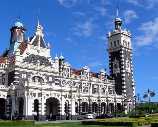 dunedin-train-station-new-zealand-e1335973823313