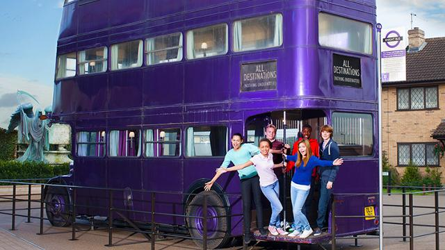 warner-bros-studio-tour-london-the-making-of-harry-potter-020-teen-backlot-knightbus-low-res-194a80b00b430b8ce50dca43335b6019