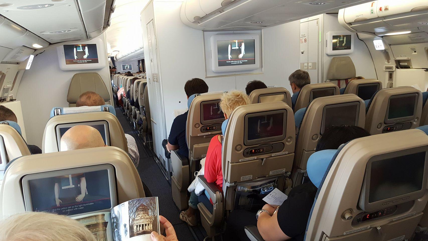 Kako preživeti dolg polet z letalom?
