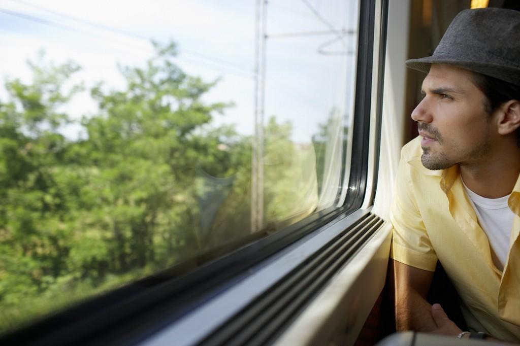 Polepšajte si jesen: predstavljamo vam 11 izbranih poti z vlakom!